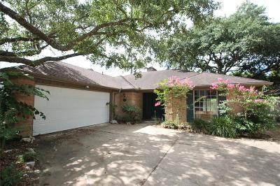 Houston Single Family Home For Sale: 4711 Whispering Falls Drive