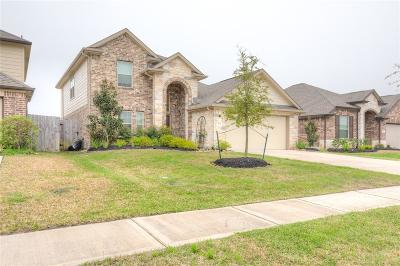 La Marque Single Family Home For Sale: 513 Forest Village Circle