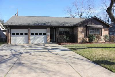 Deer Park Single Family Home For Sale: 1709 Deer Avenue