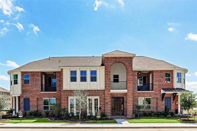 Sugar Land Condo/Townhouse For Sale: 126 Stadium Drive