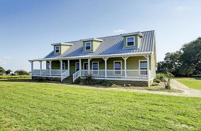 Farm & Ranch For Sale: 6630 NE Mueller Road