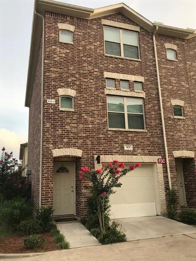 Houston Condo/Townhouse For Sale: 5941 South Loop East #901