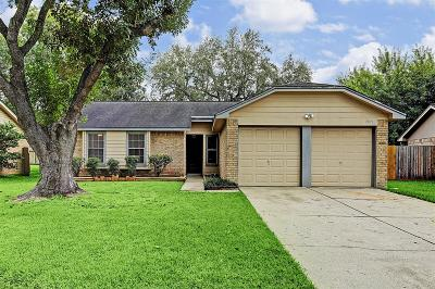 League City Single Family Home For Sale: 2819 Custer Drive
