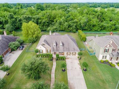 Fulshear Single Family Home For Sale: 5119 Water Oak Crescent