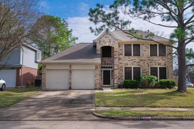 Friendswood Single Family Home For Sale: 4915 Stone Harbor Drive
