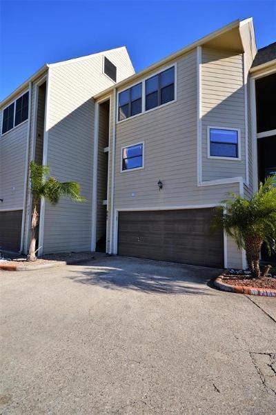 League City TX Condo/Townhouse For Sale: $249,900