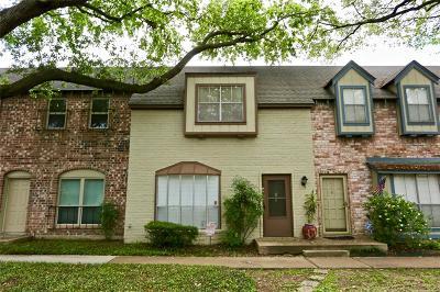 Memorial Condo/Townhouse For Sale: 14707 Barryknoll Lane #160