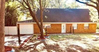 La Marque Single Family Home For Sale: 2210 Clark Drive