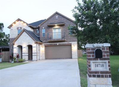 La Porte Single Family Home For Sale: 10710 Deaf Smith Street