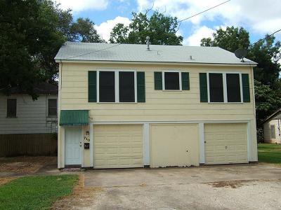 Wharton TX Single Family Home For Sale: $83,000