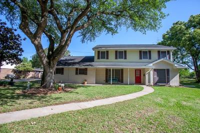 Texas City Single Family Home For Sale: 8632 Twelve Oaks Drive