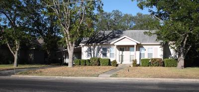 Lavaca County Single Family Home For Sale: 1724 N Avenue B