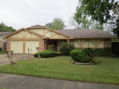 Pearland Single Family Home For Sale: 2915 Spring Creek Lane