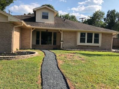 Dickinson Single Family Home For Sale: 4904 Meadow Lane