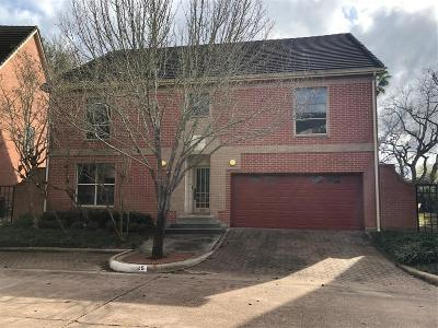 Sugar Land Single Family Home For Sale: 25 Foxhall Crescent Drive