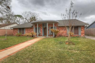 Friendswood Single Family Home For Sale: 313 Winding Road