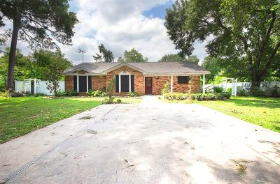 Rosenberg Single Family Home For Sale: 1428 Walenta Avenue