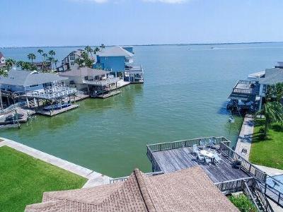 Tiki Island Single Family Home For Sale: 1315 Oahu Drive