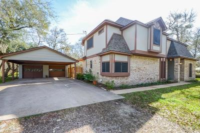 Single Family Home For Sale: 17903 Meadow Bend