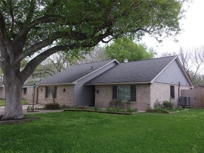 League City Single Family Home For Sale: 724 S Iowa Avenue