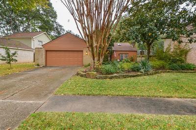 Houston Single Family Home For Sale: 15006 Rolling Oaks Drive