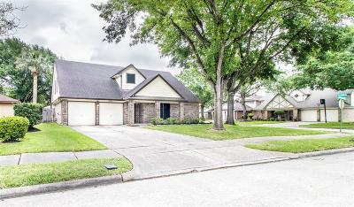 La Porte Single Family Home For Sale: 3817 Cottonwood Drive