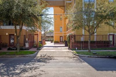 Houston Condo/Townhouse For Sale: 1702 Montrose