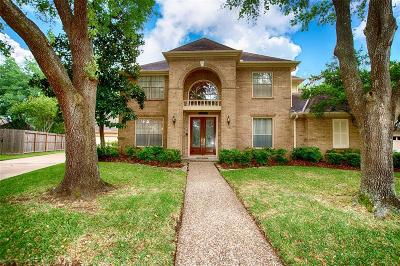 Single Family Home For Sale: 1906 Cherrytree Park Circle