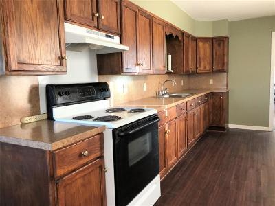 Ganado TX Single Family Home For Sale: $85,000
