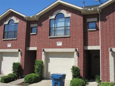 Houston Condo/Townhouse For Sale: 5941 S Loop E #402