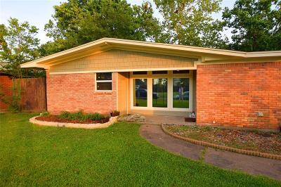 Single Family Home For Sale: 2309 Bayou Drive