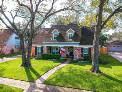 Houston Single Family Home For Sale: 18019 Oakhampton Drive