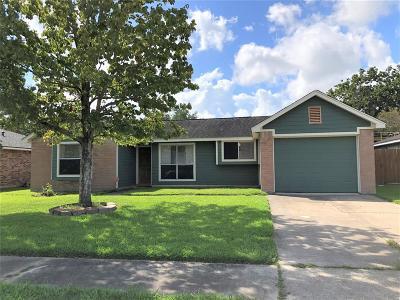 League City TX Single Family Home For Sale: $165,000