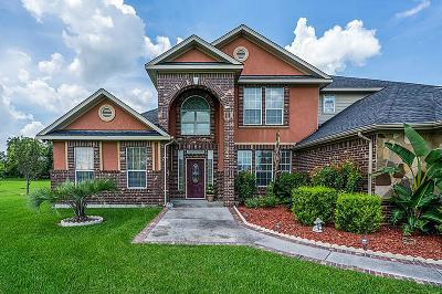 Baytown Single Family Home For Sale: 8311 Harvest Lane