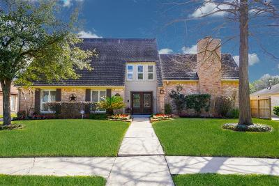 Houston Single Family Home For Sale: 12027 Sugar Springs Drive