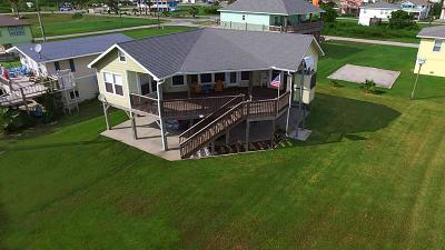 Crystal Beach Single Family Home For Sale: 928 Westview