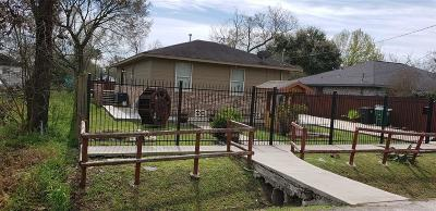 Single Family Home For Sale: 3422 Vintage Street