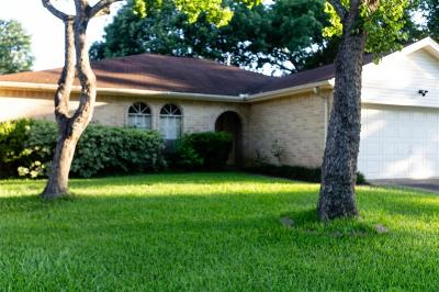 Humble Single Family Home For Sale: 11010 Almond Grove