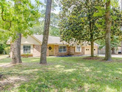 Spring Single Family Home For Sale: 319 Spring Woods Drive