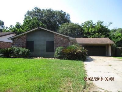 Angleton Single Family Home For Sale: 804 N Plantation Drive