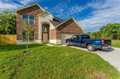 Houston Single Family Home For Sale: 4923 E Ridge Creek Drive