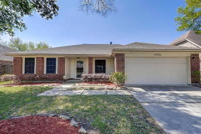Pearland Single Family Home For Sale: 4906 Clover Lane