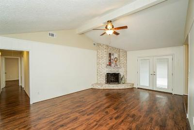 Sugar Land Single Family Home For Sale: 1519 Briarbank Drive