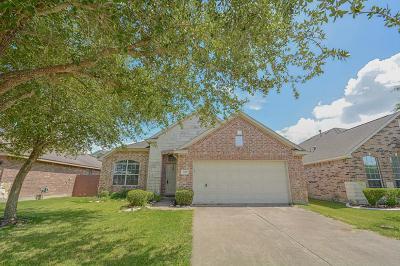 League City Single Family Home For Sale: 2907 Landing Edge Lane
