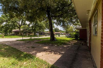 Houston Single Family Home For Sale: 9202 Chatwood Drive