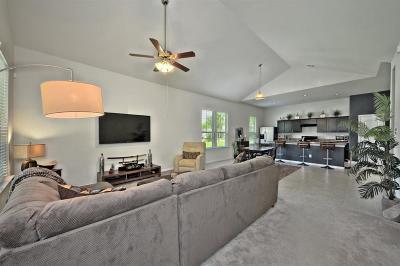 Single Family Home For Sale: 736 E 41st Street