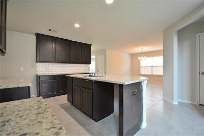 Fresno Single Family Home For Sale: 2011 Bravos Manor