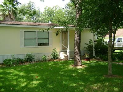 Kemah Single Family Home For Sale: 2218 Lawrence Road