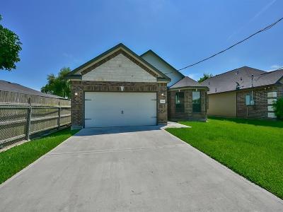 League City Single Family Home For Sale: 2906 Arkansas Avenue