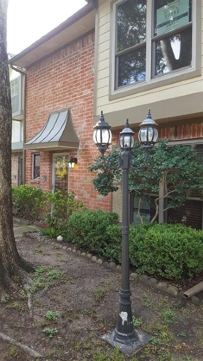 Houston Condo/Townhouse For Sale: 14688 Perthshire Road #B